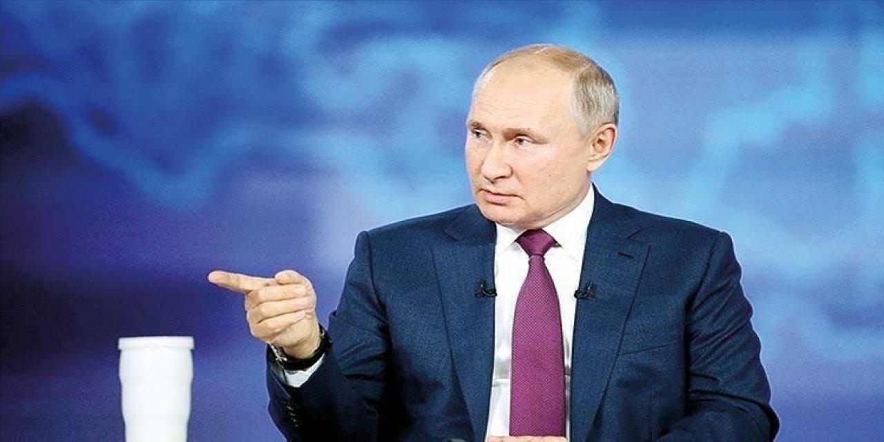 """Putin'den tepki çeken açıklamalar : """"Çocukları cinsiyetleri üzerinde bir seçim yapabileceklerine inandırmaya zorluyorlar"""""""