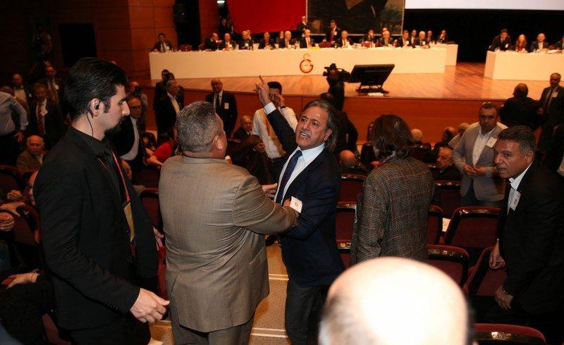 Galatasaray'da son dakika... Mali Genel Kurul'da kavga...