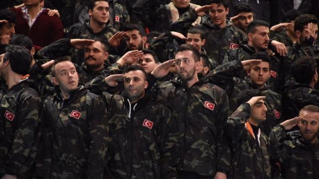AKP'de bugün: 'Reis bizi Afrin'e götür' dedi, bedelli askerlik yaptı
