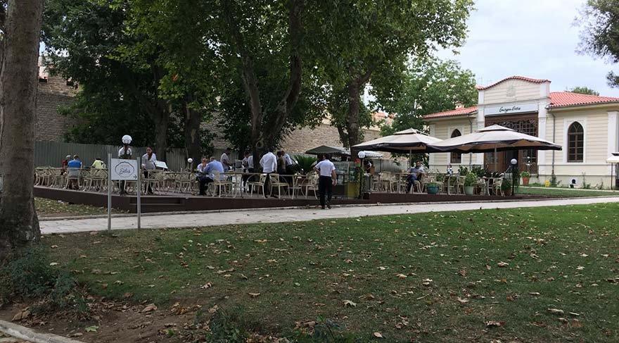 Topbaş'ın yeğeni yapıyor: Topkapı Sarayı'na 'gecekondu' restoran