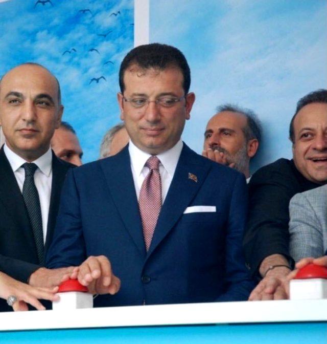 Ölümsüz fotoğraf: 'Makaracı' Bağış 'Yeliz'in eline bastı, yerine İmamoğlu utandı